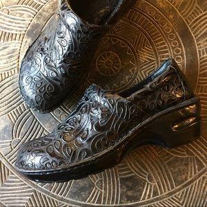 BOC Peggy Black Tooled Embossed Leather Clog 8.5